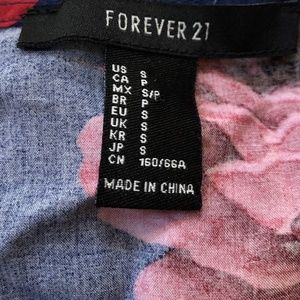 Forever 21 Tops - Forever 21 Top Blouse Small Medium Key Hole